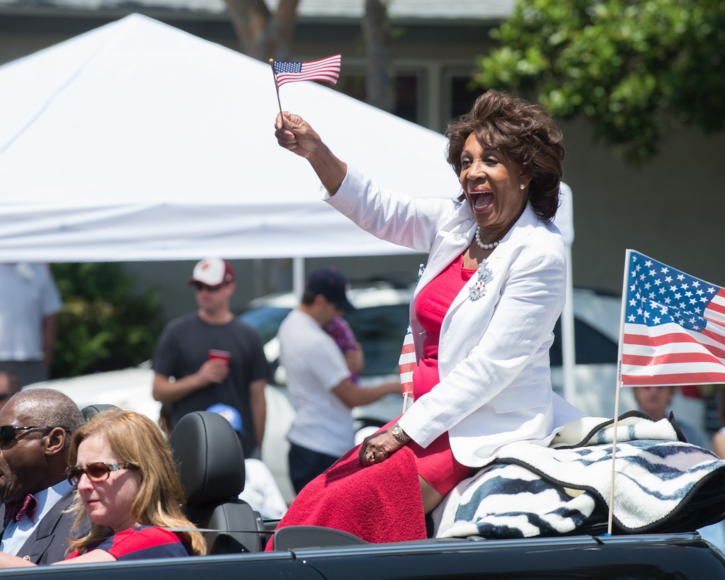 Image: Maxine Waters Goes On Insane Rant: Trump is a Direct Russian Agent of Putin (Video)